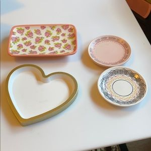 Bundle of trinket trays